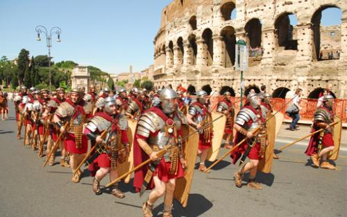 birth-of-rome-parade-celebration.jpg